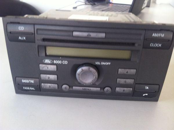 CD PLAYER FORD TRANSIT