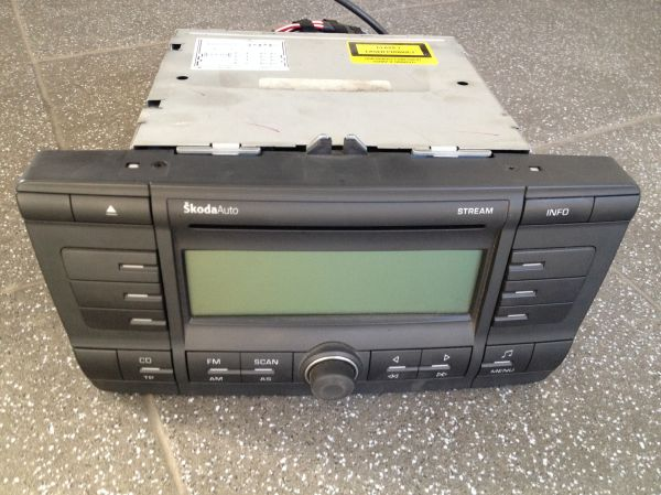 CD PLAYER SKODA 2
